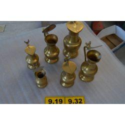 http://www.ocasiones.eu/1100-thickbox_leoelec/conjunto-de-jarras-de-bronce-.jpg
