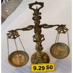 http://www.ocasiones.eu/1352-thickbox_leoelec/balanza-decorativa-de-bronce.jpg
